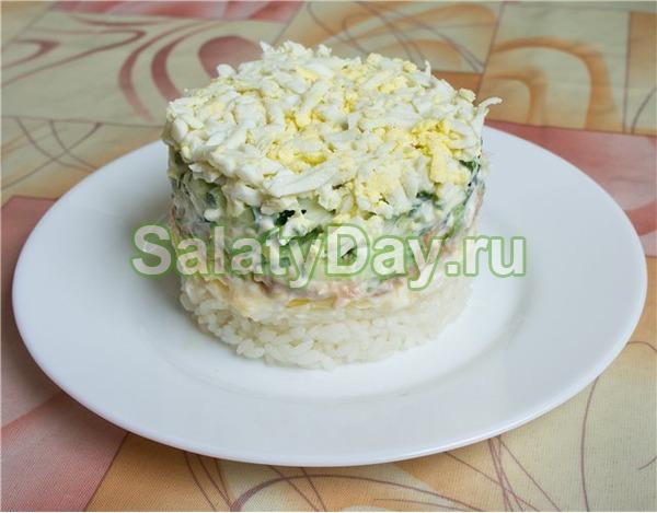 Салат из рыбных консервов «Капля воды»