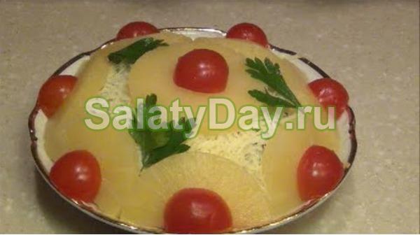"Салат ""Вкусняшка"" с ананасами"