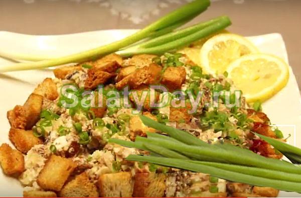 Салат из шпрот — презентабельная закуска с оригинальным вкусом: рецепт с фото и видео 15