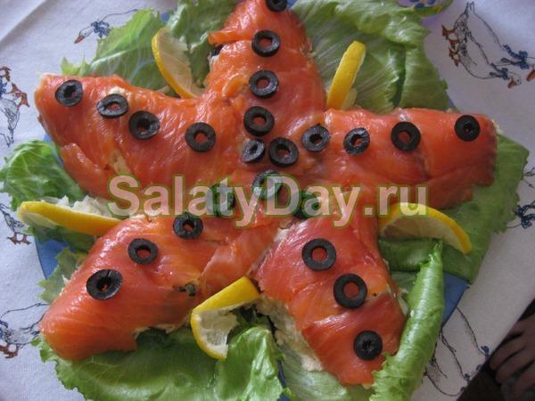 Салат Морская звезда с красной рыбой