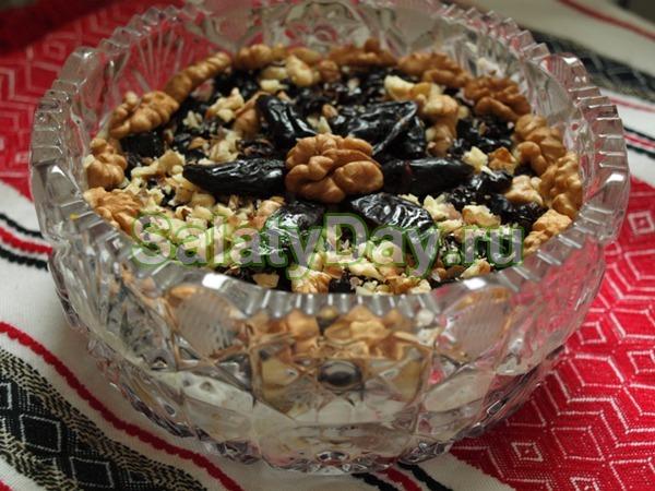 Салат из говяжьего языка с грибами