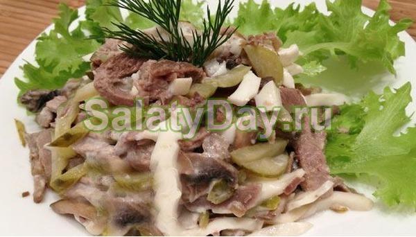 Салат из говяжьего языка с огурцом и грибами