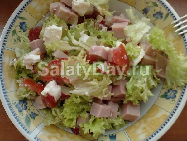 Салат с крабовым мясом и бужениной