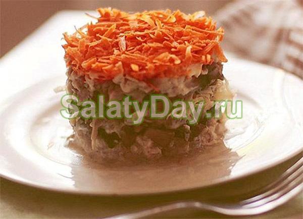 Салат Лисья шубка с грибами