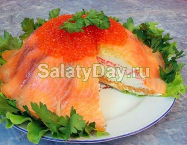 Салат торт с семгой