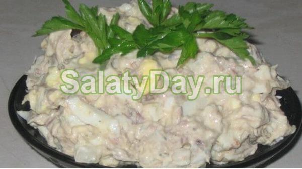 Салат с копченой рыбой и рисом рецепт