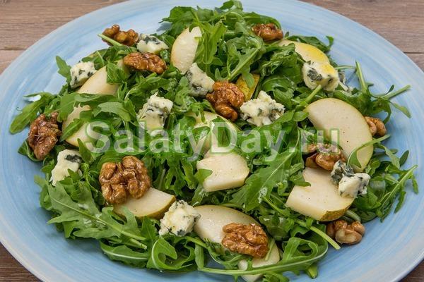 Салат с грецкими орехами и грушей