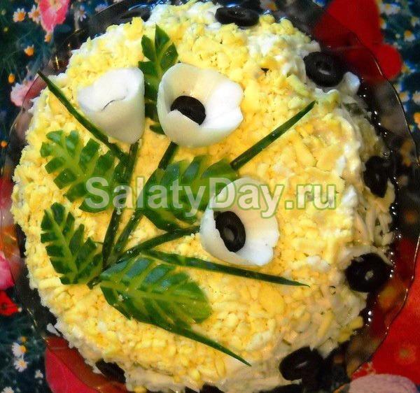 Салат «Цветочный» с томатами