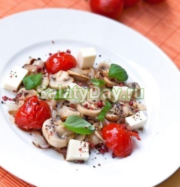 салат из маринованных шампиньонов и курицы