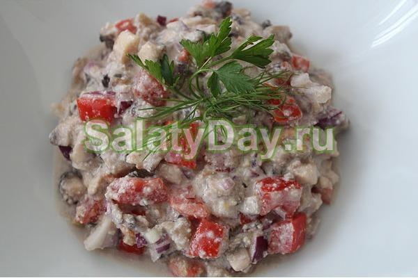 Салат с маринованными шампиньонами с овощами