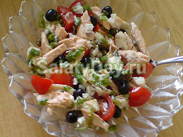 Салат с вареной рыбой и рисом