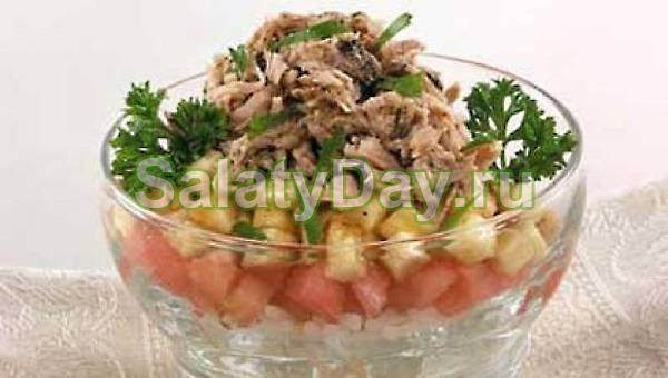 Салат с тунцом и бананами