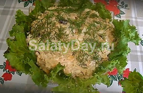Тосканский салат с консервированным тунцом и фасолью