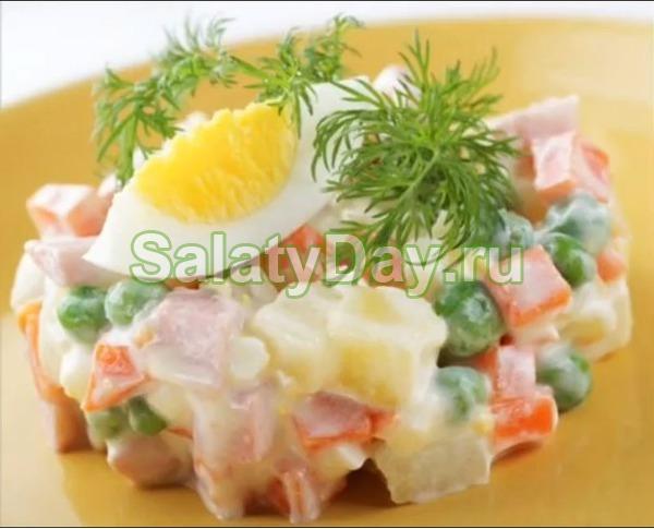 Салат столичный с курицей и грибами