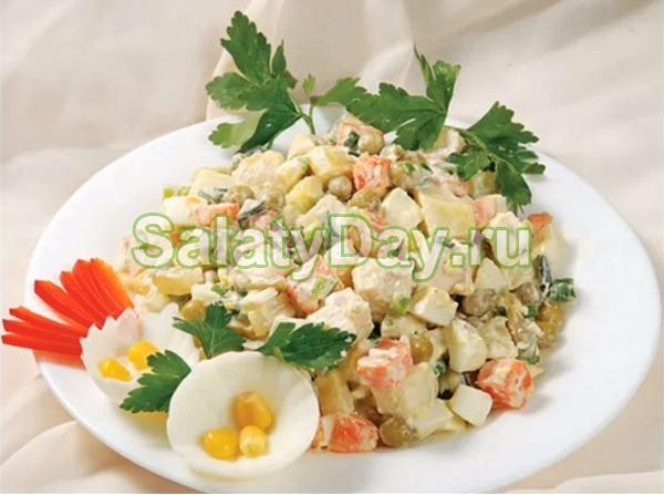 Салат столичный с курицей и сельдереем