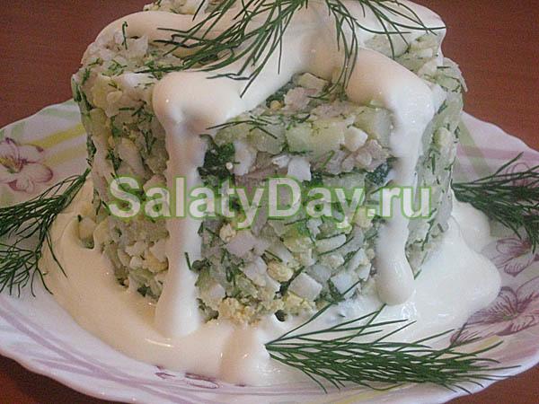 Салат с белой отварной рыбой
