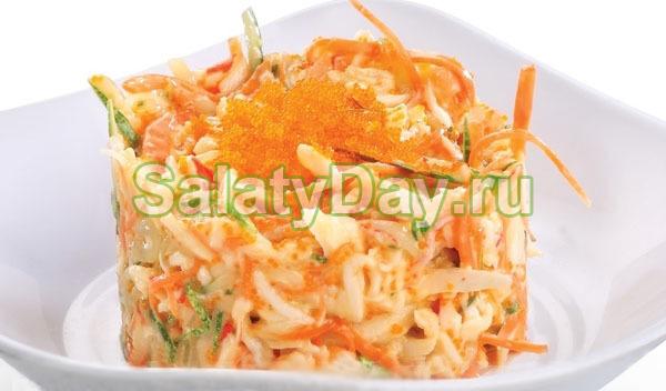 Салат с красной икрой и кальмарами