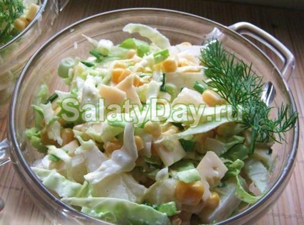 Салат из ананасов курицы и пекинской капусты