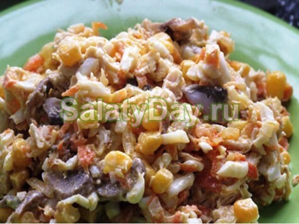 Салат с курицей и грибами