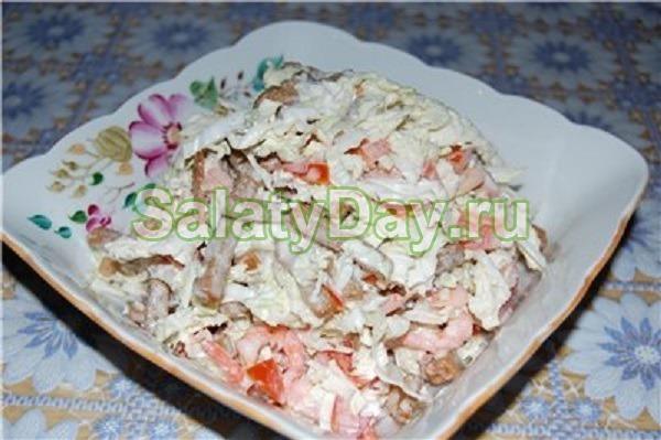 Быстрые салаты с кириешками с