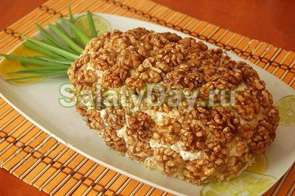 Салат ананас с курицей и грецкими орехами кукуруза рецепт