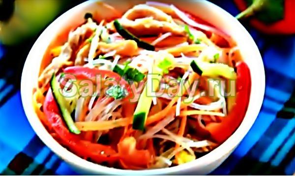Салат фунчоза со свининой и овощами
