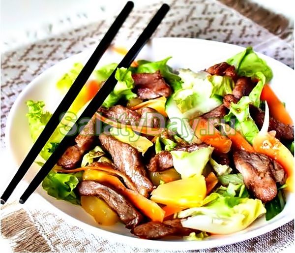Салат со свининой «Терияки»