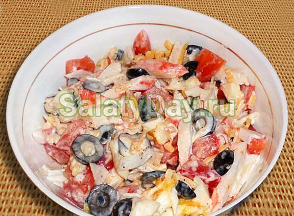 Салат с курицы с оливками