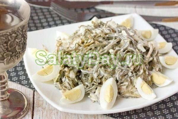 как приготовить салат из море продуктов с яйцом