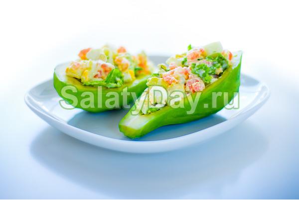 салат с авокадо и крабовыми рецепт с фото