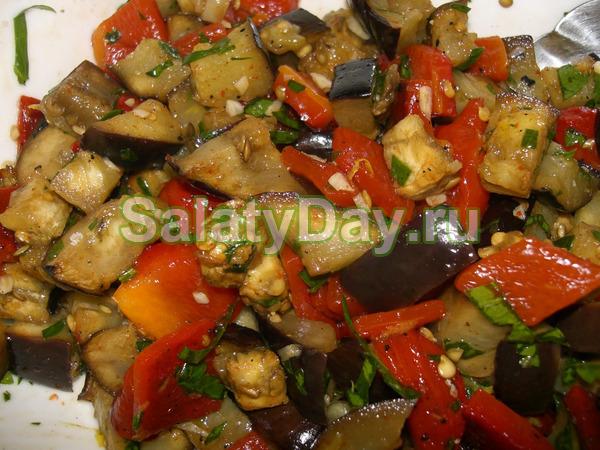 Салат из жареных баклажанов - обалденно вкусно: рецепт с фото и видео