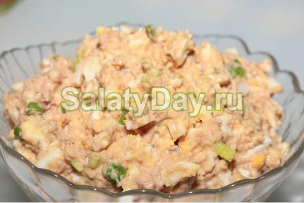 Салат с яйцом и печенью трески рецепт очень вкусный