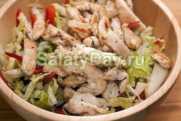Салат из китайской капусты с дарами моря