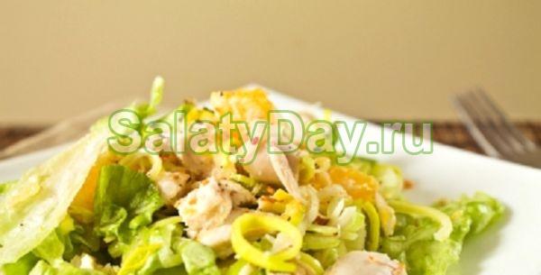 Салат из китайской капусты и курицы с ананасами