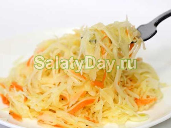 Салат из свежей капусты и моркови «Максимум витаминов»