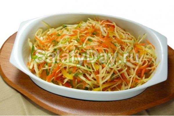 Салат из свежей капусты и моркови «Кольраби»