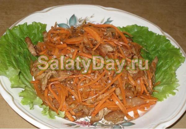 Салат из свежей капусты и моркови и свинины «Корейский салат со свининой»