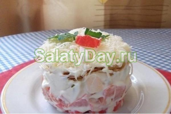 Нежный салат с крабовыми палочками «Снежная королева»