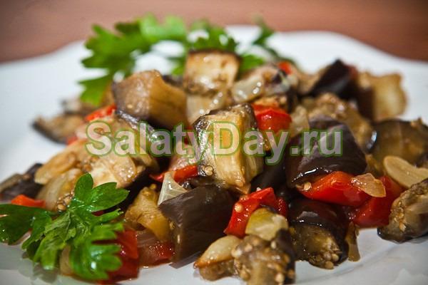 рецепт приготовления баклажанов с помидорами и чесноком