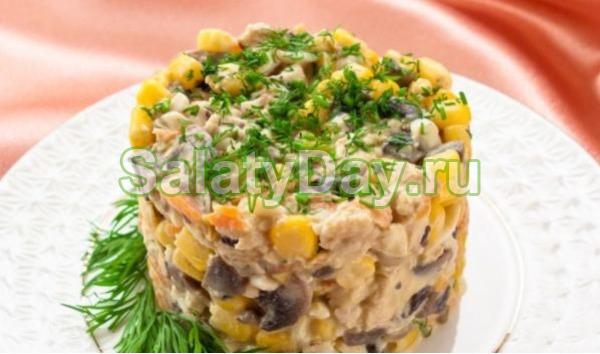 Куриный салат из консервированных шампиньонов