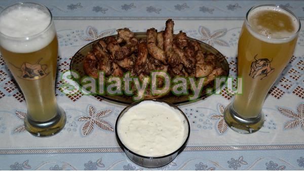Закуска из куриных шей и сырного соуса