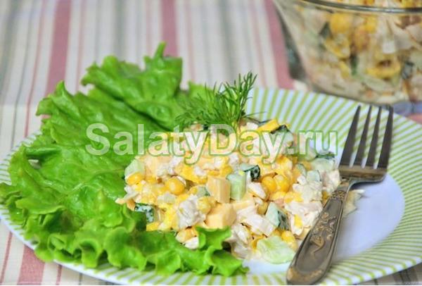 Салат из яичных блинчиков и курицей