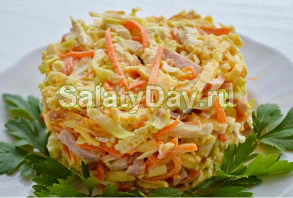 Салат с яичными блинчиками и морковью