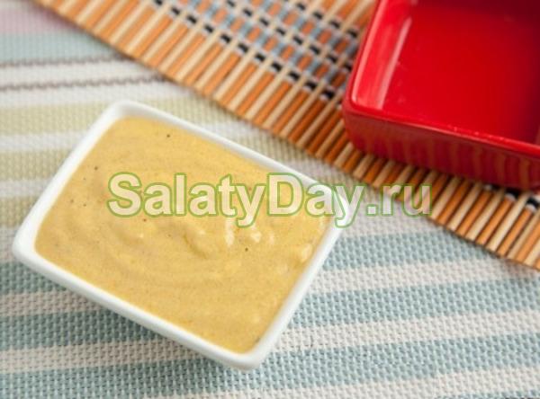 Заправка к салату цезарь на основе вареных куриных яиц