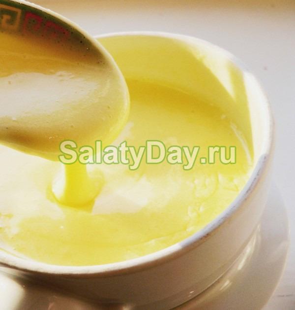 Соус к салату цезарь на основе свежих перепелиных яиц