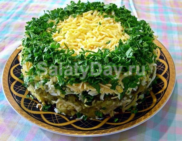 Салат с грибами печенью и ананасами