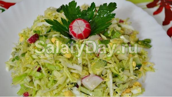 Салат весенний с капустой