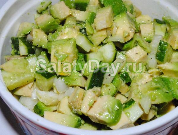 Салат Весенний с авокадо