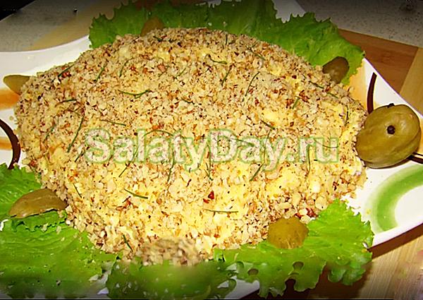 Салат Черепаха с запеченным куриным филе