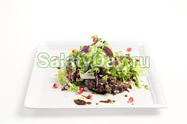 Салат из куриных субпродуктов